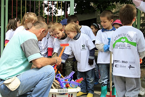 önkéntes csoport jelentkezés